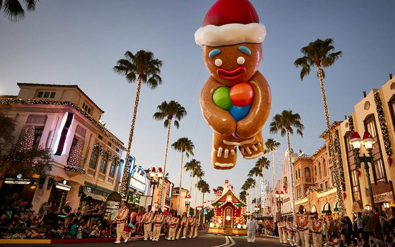 Universals-Holiday-Parade-Featuring-Macys-Gingy-Balloon-1170x731
