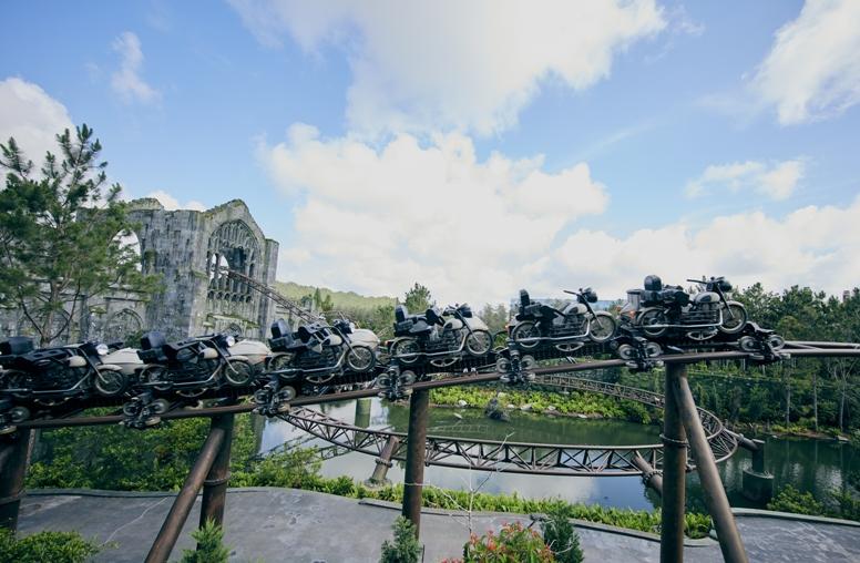 02_Hagrid's Magical Creatures Motorbike Adventure_Coaster Details