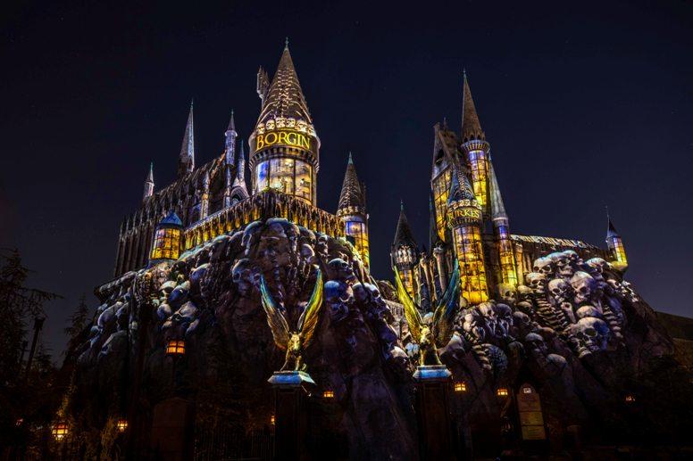 4_Dark Arts at Hogwarts Castle